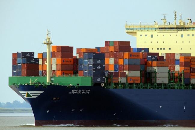 Le déficit commercial de la France continue de se creuser