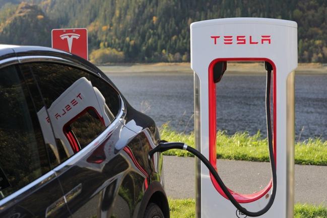 Split de l'action pour Apple et Tesla