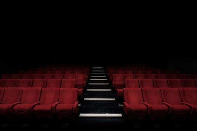 Théâtres et cinémas : le Conseil d'État valide le maintien de la fermeture