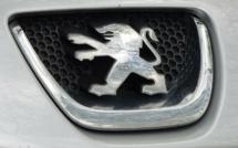Automobile : PSA et Fiat Chrysler officialisent leur futur fusion